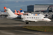Canadair CL-600-2B16 Challenger 605 (M-AYRU)