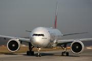 Boeing 777-31H/ER (A6-EBR)