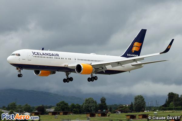 Boeing 767-319/ER  (Icelandair)
