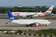 Boeing 737-883 (LN-RRU)