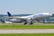 Boeing 777-222/ER (N209UA)