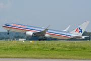 Boeing 767-323/ER (N39365)