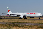Boeing 777-333/ER (C-FIVW)