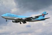 Boeing 747-4B5F/ER/SCD (HL7462)