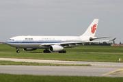 Airbus A330-243 (B-6081)