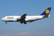 Boeing 747-430 (D-ABVT)