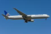 Boeing 767-424/ER (N76065)