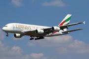 Airbus A380-861 (A6-EDU)