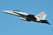 McDonnell Douglas F/A-18D Hornet (J-5238)