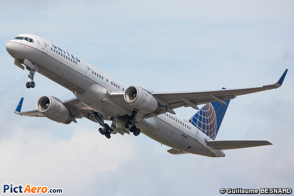Boeing 757-224/WL (United Airlines)