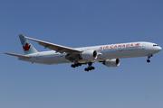 Boeing 777-333/ER (C-FIUW)