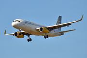 Airbus A320-232 (EC-MKO)