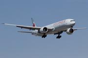 Boeing 777-333/ER (C-FIVM)