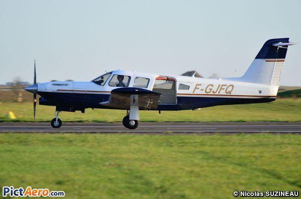 Piper PA32RT-300 Lance II  (ChuteXtrem Sarl)