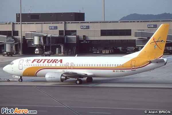 Boeing 737-4Y0 (Futura International Airways)