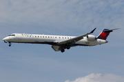 Bombardier CRJ-900ER (N132EV)