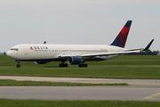 Boeing 767-332/ER (N181DN)
