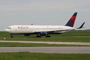 Boeing 767-332/ER (N196DN)