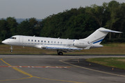 Bombardier BD-700-1A10 Global 6000 (M-IUNI)