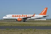 Airbus A320-214 (WL) (G-EZOG)