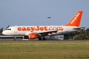 Airbus A319-111 (G-EZBO)