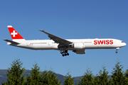 Boeing 777-3DE(ER) (HB-JNF)