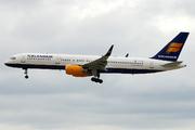 Boeing 757-208 (TF-FIV)
