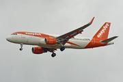 Airbus A320-214 (WL) (G-EZOM)