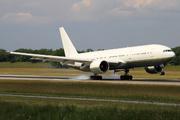 Boeing 777-236/ER (TR-KPR)