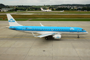 Embraer ERJ-190 STD (PH-EZZ)