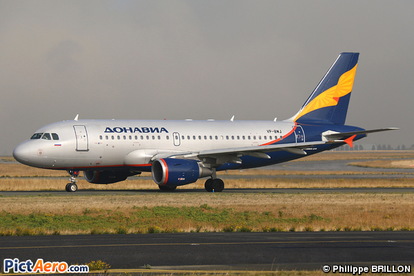 Airbus A319-111 (Donavia)