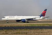 Boeing 757-2Q8 (N707TW)