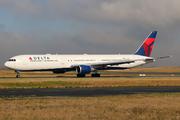 Boeing 767-432/ER (N836MH)