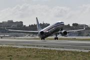 Boeing 737-823