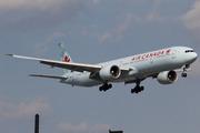 Boeing 777-333/ER (C-FNNQ)