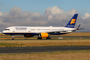 Boeing 757-208 (TF-FIP)