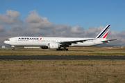 Boeing 777-328/ER (F-GZNU)