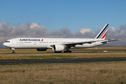 Boeing 777-328/ER (F-GSQH)