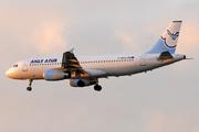 Airbus A320-233 (F-HBAD)