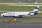Boeing 737-8HC (TC-SNU)