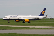 Boeing 757-256 (TF-LLX)