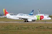 Airbus A321-211 (CS-TJF)
