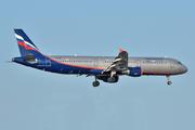 Airbus A321-211 (VP-BRW)