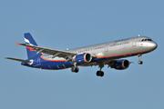 Airbus A321-211 (VP-BQS)