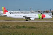 Airbus A321-211 (CS-TJG)