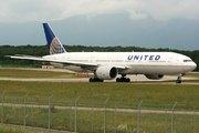 Boeing 777-224/ER (N78013)