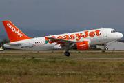 Airbus A319-111 (G-EZEZ)