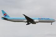 Boeing 777-306/ER (HL8275)