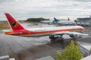 Boeing 777-3M2/ER (D2-TEK)