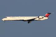 Bombardier CRJ-900 NG (CL-600-2D24) (N916XJ)
